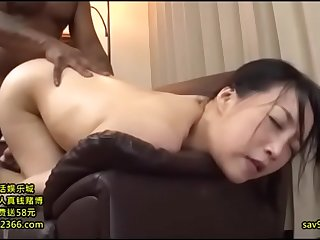 Japanese housewife gets her..