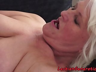 Hairy granny pussylicked by..