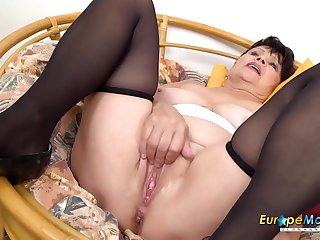 EuropeMaturE Hot Solo..