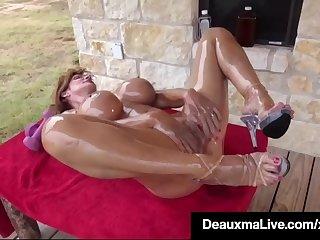 Muscular Mature Deauxma..