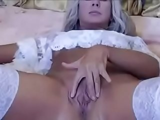 mom showing her horny pussy..