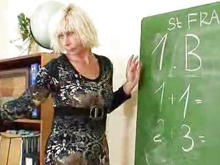 Cougar teacher loves to..