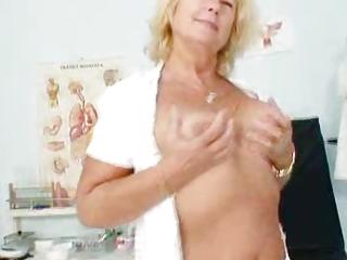 Blonde milf Greta big..
