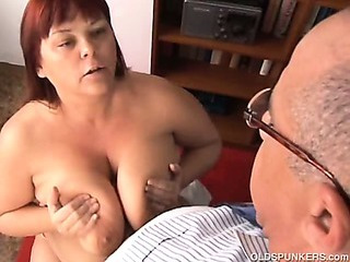 Big tits mature BBW loves to..