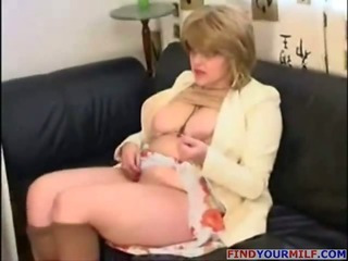 Busty mature in pantyhose..