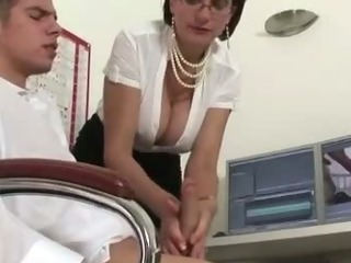Mature stocking fetish slut..