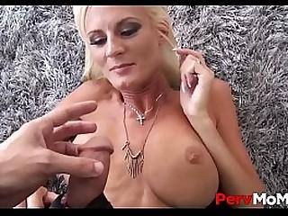 Sexy Blonde MILF Olivia Blu..